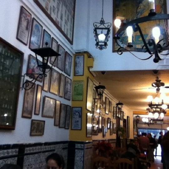 Photo taken at Taberna Miami by Claudio D. L. on 12/10/2011