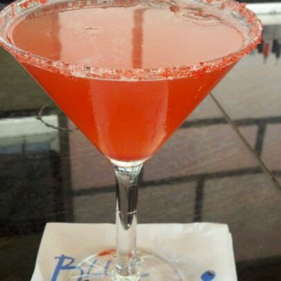 Photo taken at Blue Wasabi Sushi & Martini Bar by Leanne G. on 8/27/2011