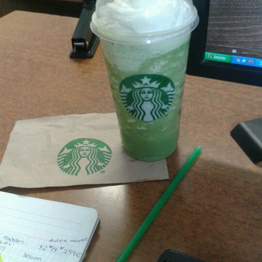 Photo taken at Starbucks by Aidé V. on 5/24/2012