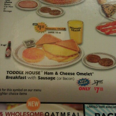 Photo taken at Waffle House by Mannequin L. on 6/27/2012