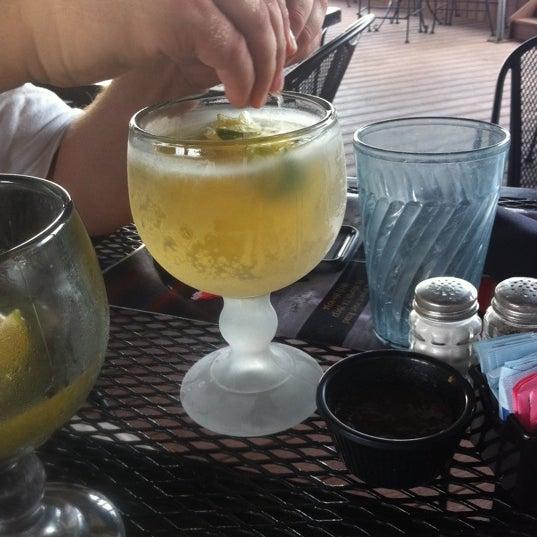 Photo taken at El Arroyo by Trenton Y. on 5/31/2011