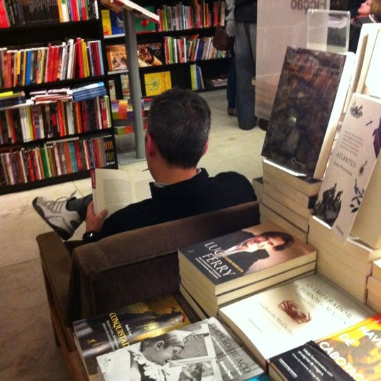 Photo taken at Livraria da Vila by Suzi S. on 6/23/2012