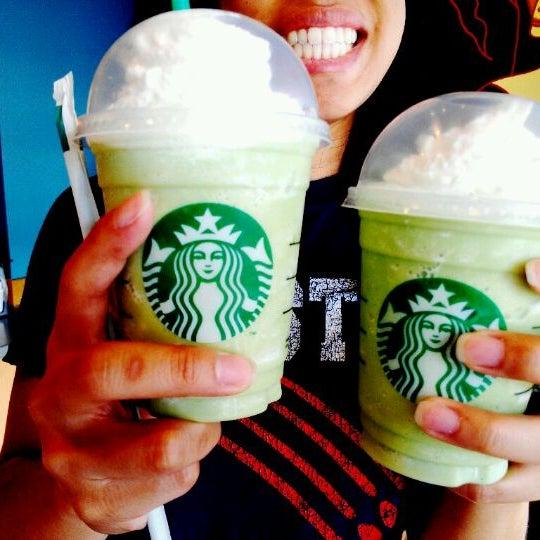 Photo taken at Starbucks by Jin C. on 5/6/2012
