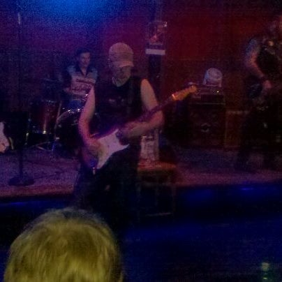 Photo taken at Blue Moon by Renee G. on 9/17/2011