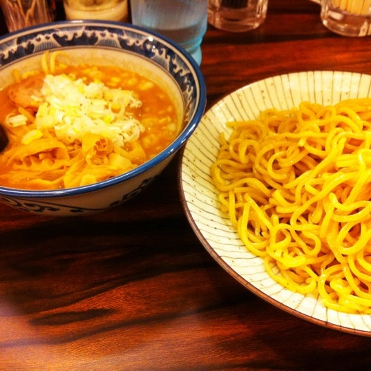 Photo taken at 味噌や 元住吉店 by しろ on 8/14/2011