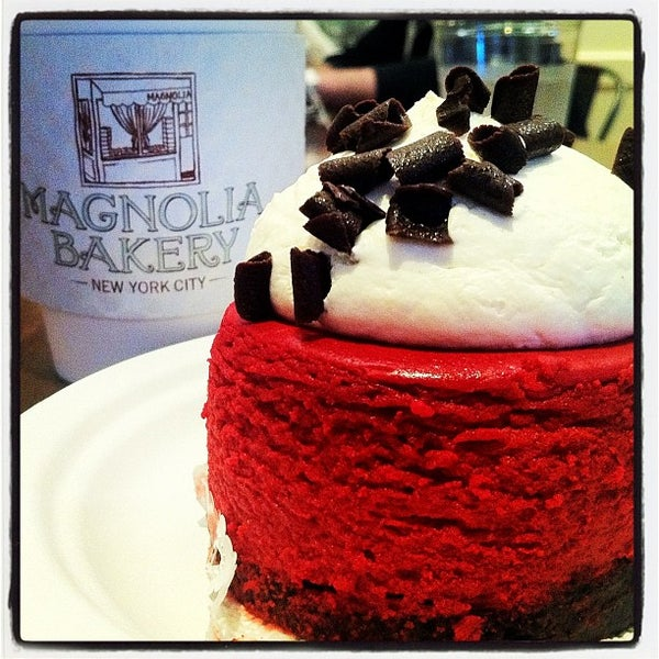 Photo taken at Magnolia Bakery by Candice C. on 5/11/2012