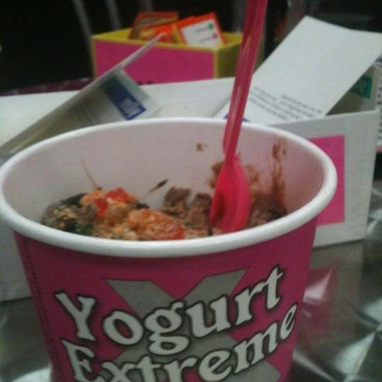 Photo taken at Yogurt Extreme by Murbs s. on 1/26/2012