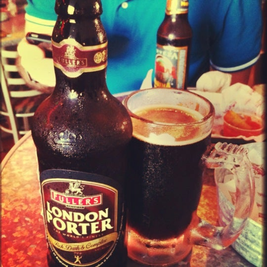 Pidan la London Porter si te gusta la cerveza oscura y si traes dinero jaja