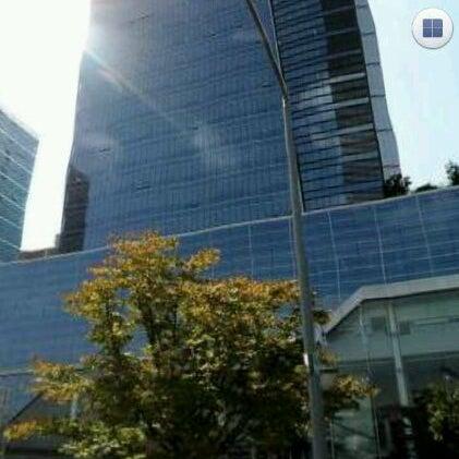 Photo taken at LG전자 가산 R&D 캠퍼스 (LG Electronics Gasan R&D Campus) by Ashton Minsik S. on 2/19/2012