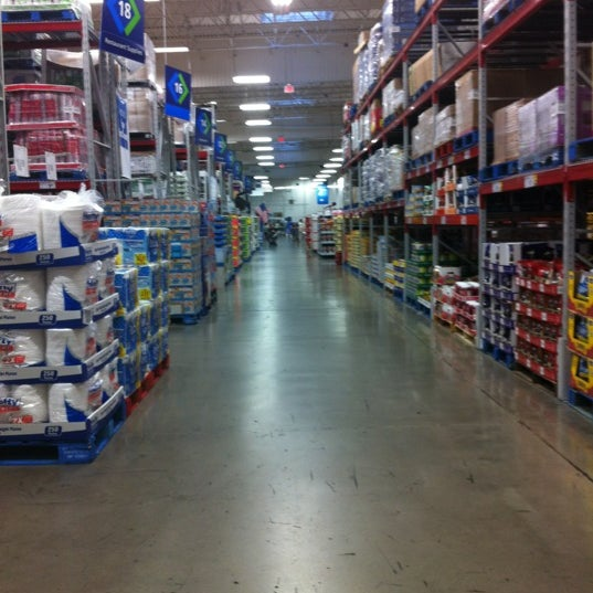 Photo taken at Sam's Club by Avel (BatteryMan) U. on 6/24/2012