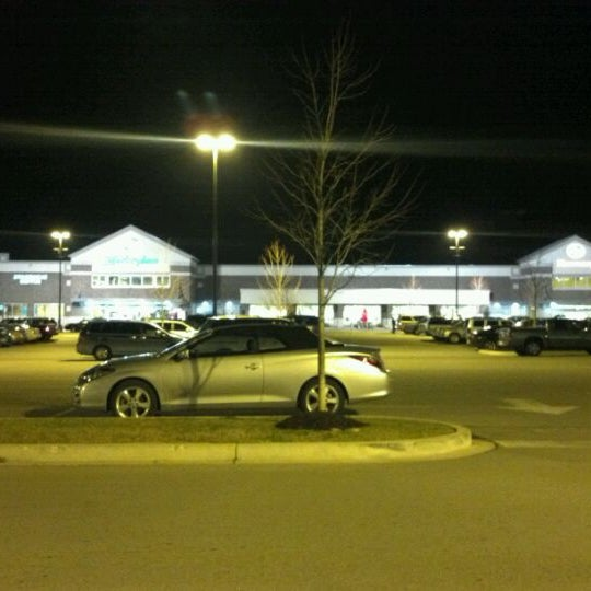 Photo taken at Kroger by David H. on 12/24/2011