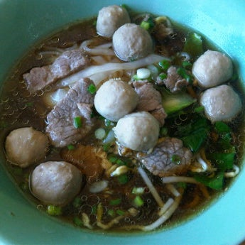 Photo taken at ร้านอาหารฉำฉา by Na chiangmai on 1/23/2012