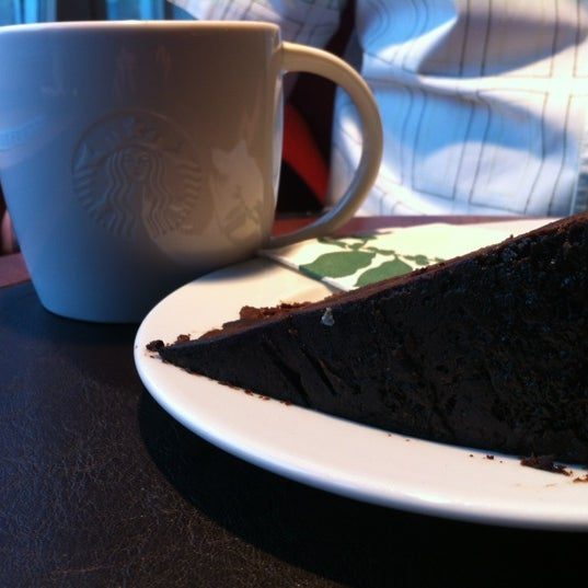 Photo taken at Starbucks by DJ on 6/4/2012