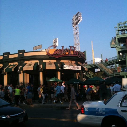 Photo taken at Cask 'n Flagon by John D. on 7/17/2012