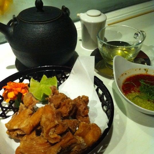 Photo taken at Katsuya Brentwood by Kyoko I. on 8/12/2011