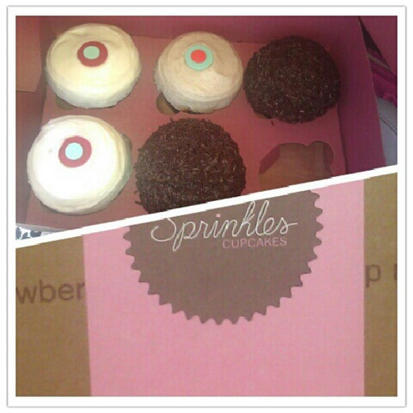 Photo taken at Sprinkles Cupcakes by Cindy B. on 6/17/2012