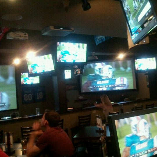 Photo taken at Stadium Sports Bar & Restaurant by Marci P. on 9/13/2011