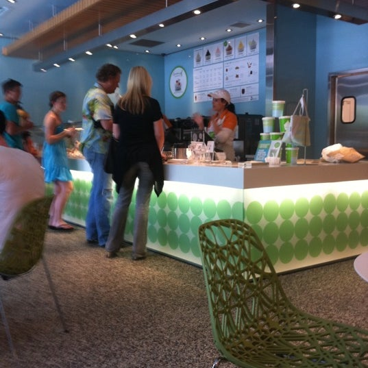 Photo taken at Pinkberry by Molly K. on 7/3/2011
