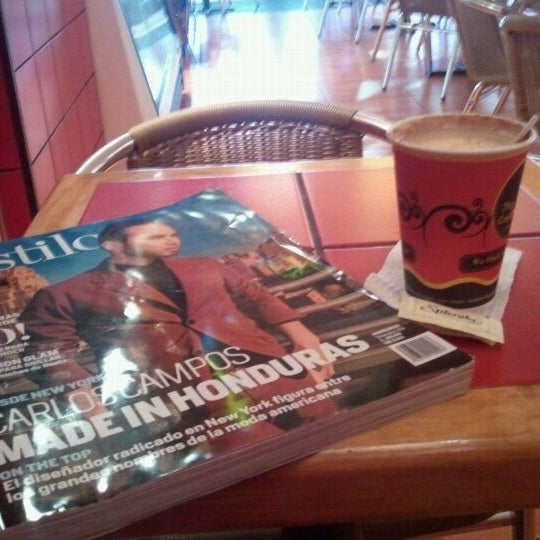 Photo taken at The Coffee Cup by Gerson Osuel M. on 12/11/2011
