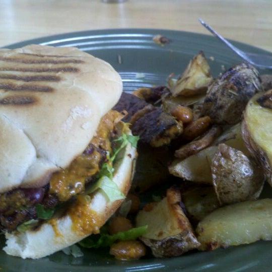 Photo taken at Sugar Plum Vegan Cafe by Stevenology on 11/3/2011