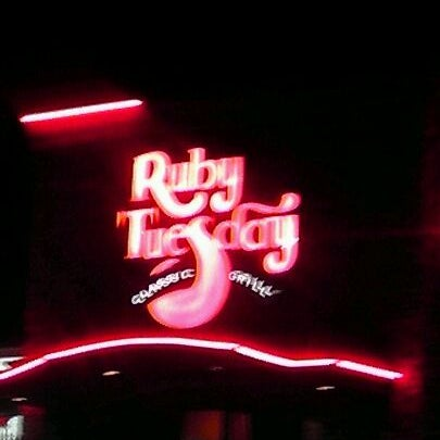 Photo taken at Ruby Tuesday by Dave W. on 11/13/2011
