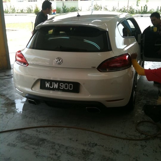 Photo taken at Meguairs car wash by Blur B. on 8/17/2011