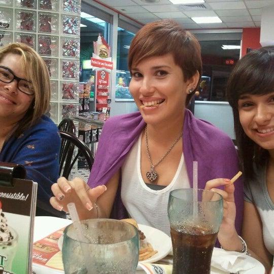 Photo taken at Steak 'n Shake by Lily C. on 6/28/2012