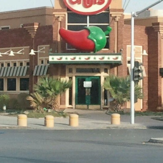 Photo taken at Chili's | تشيليز by Bandder A. on 2/8/2012