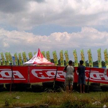 Photo taken at Circuit Race Selagalas by miq.Oegiz d. on 3/31/2012