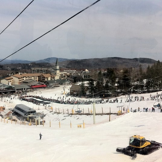 Photo taken at Stratton Summit Gondola by Vladimir K. on 4/10/2011