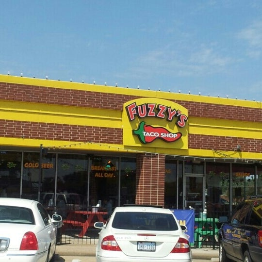 Photo taken at Fuzzy's Taco Shop by james f. on 9/7/2012
