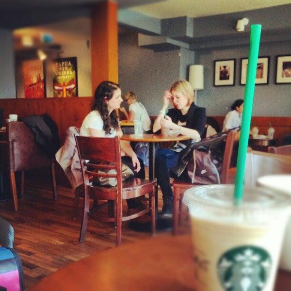 Photo taken at Starbucks by Johannes E. on 5/14/2012