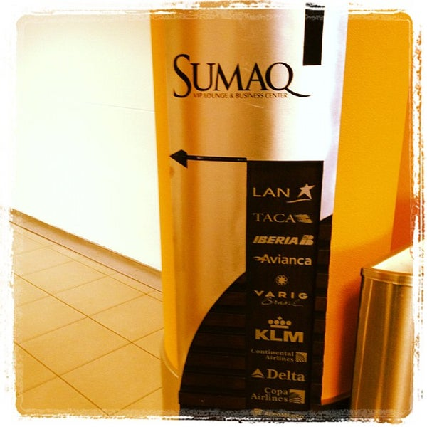 Photo taken at Sumaq VIP Lounge & Business Center by Vinicius S. on 5/19/2012