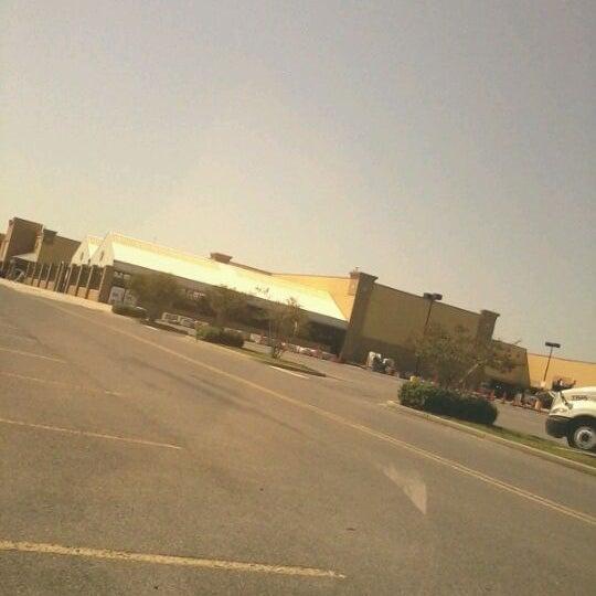 Photo taken at Walmart Supercenter by Rodney D. on 9/14/2011