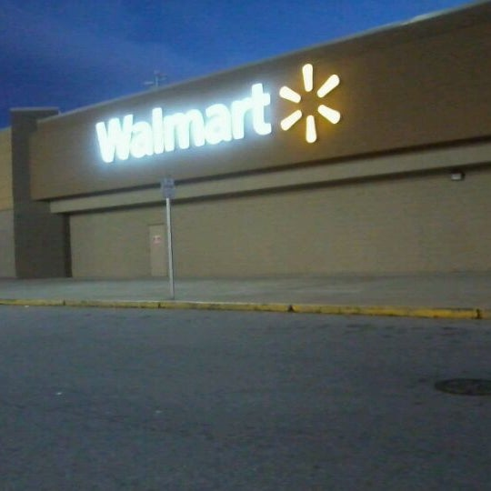 Photo taken at Walmart Supercenter by Phat P. on 11/23/2011