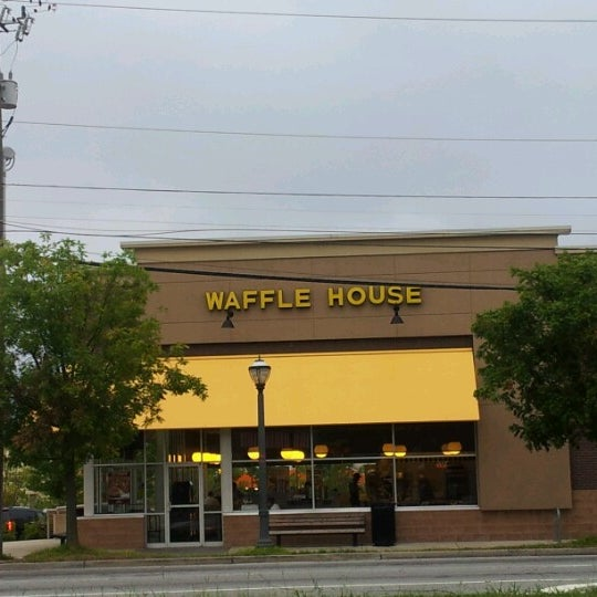 Photo taken at Waffle House by Brian C on 9/6/2012