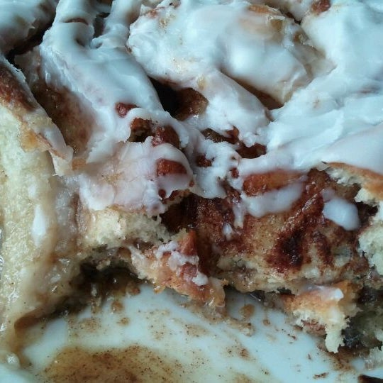 The apple cinnamon rolls are amazing! Once you get towards the middle, it's like an apple pie.
