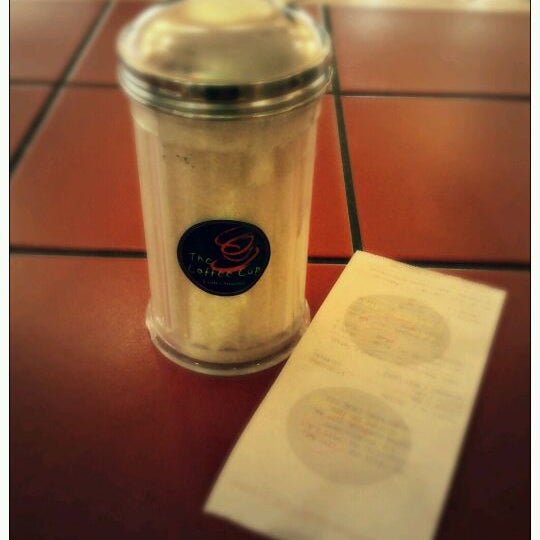 Photo taken at The Coffee Cup by Gerson Osuel M. on 2/19/2012