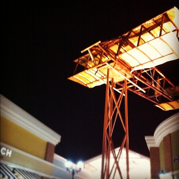 Photo taken at Mebane Tanger Outlets by Edgar P. on 11/9/2011
