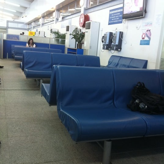 Photo taken at Taipa Ferry Terminal | Terminal Marítimo de Passageiros da Taipa | 氹仔客運碼頭 by Belinda K. on 10/18/2011