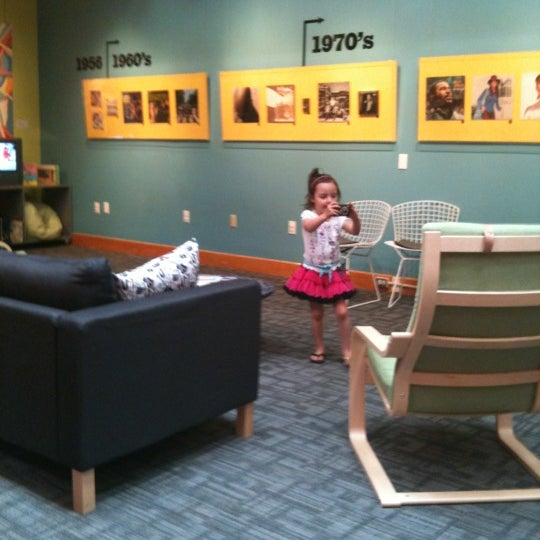 Photo taken at Allentown Art Museum by Gabs on 4/18/2012