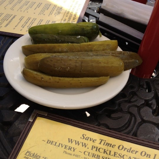 Yummy pickles! Buffalo Chicken Flatbread was great!