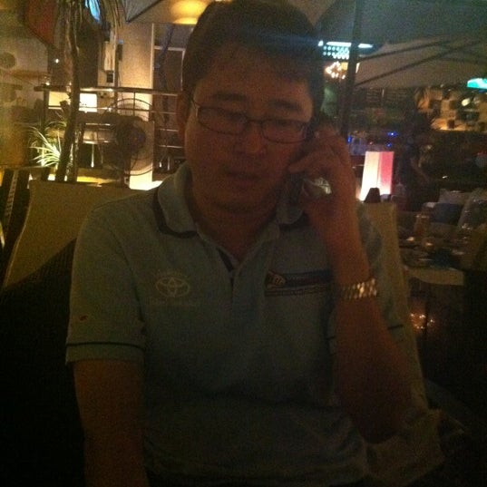 Photo taken at ติดลม Bar & Restaurant (Steady Bar & Restaurant) by Saranyoo S. on 2/12/2012