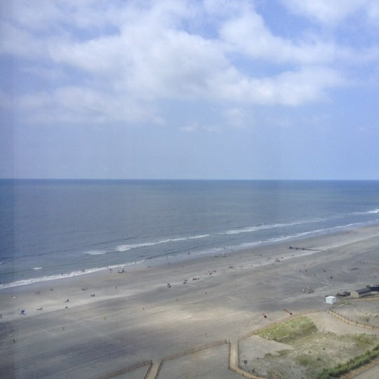 Photo taken at Atlantic Club Casino Hotel by Troy K. on 7/29/2012