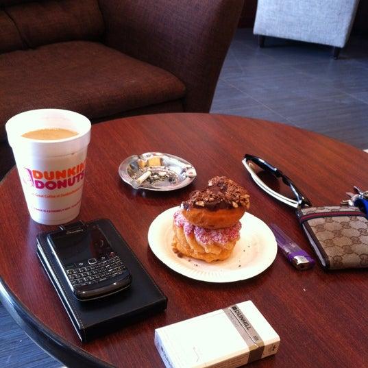 Photo taken at Dunkin Donuts by iwwa lobusta M. on 4/6/2012