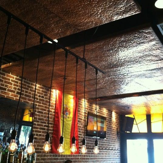 Mompou tapas bar lounge tapas restaurant in north for Food 101 bar bistro