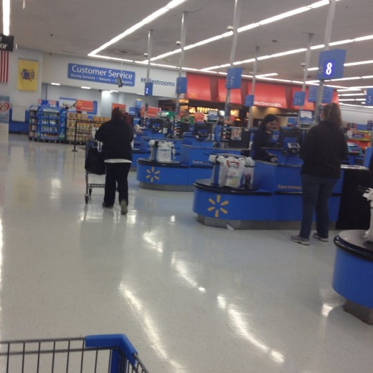 Photo taken at Walmart by Dulce P. on 4/13/2012