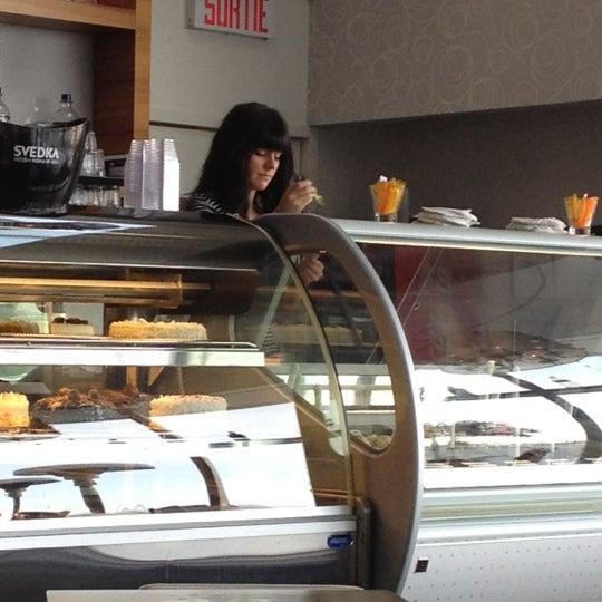 Photo taken at La Fontana Gelati Bar Lounge by FAVI | Fonds d'Aide aux V. on 2/29/2012