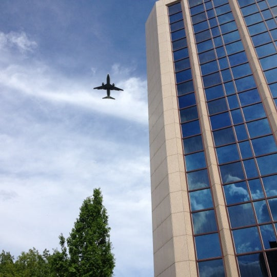 Photo taken at Steigenberger Airport Hotel by Axel Jack M. on 5/8/2012