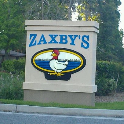 Photo taken at Zaxby's by Laura W. on 4/13/2012